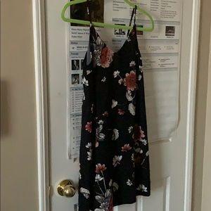 Dresses & Skirts - Floral print summer dress
